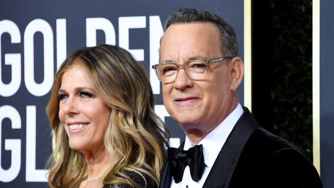 Rita Wilson y Tom Hanks en los Globos de Oro